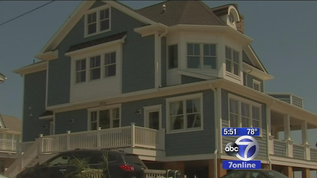 Governor Christie visits the Jersey Shore to promote tourism