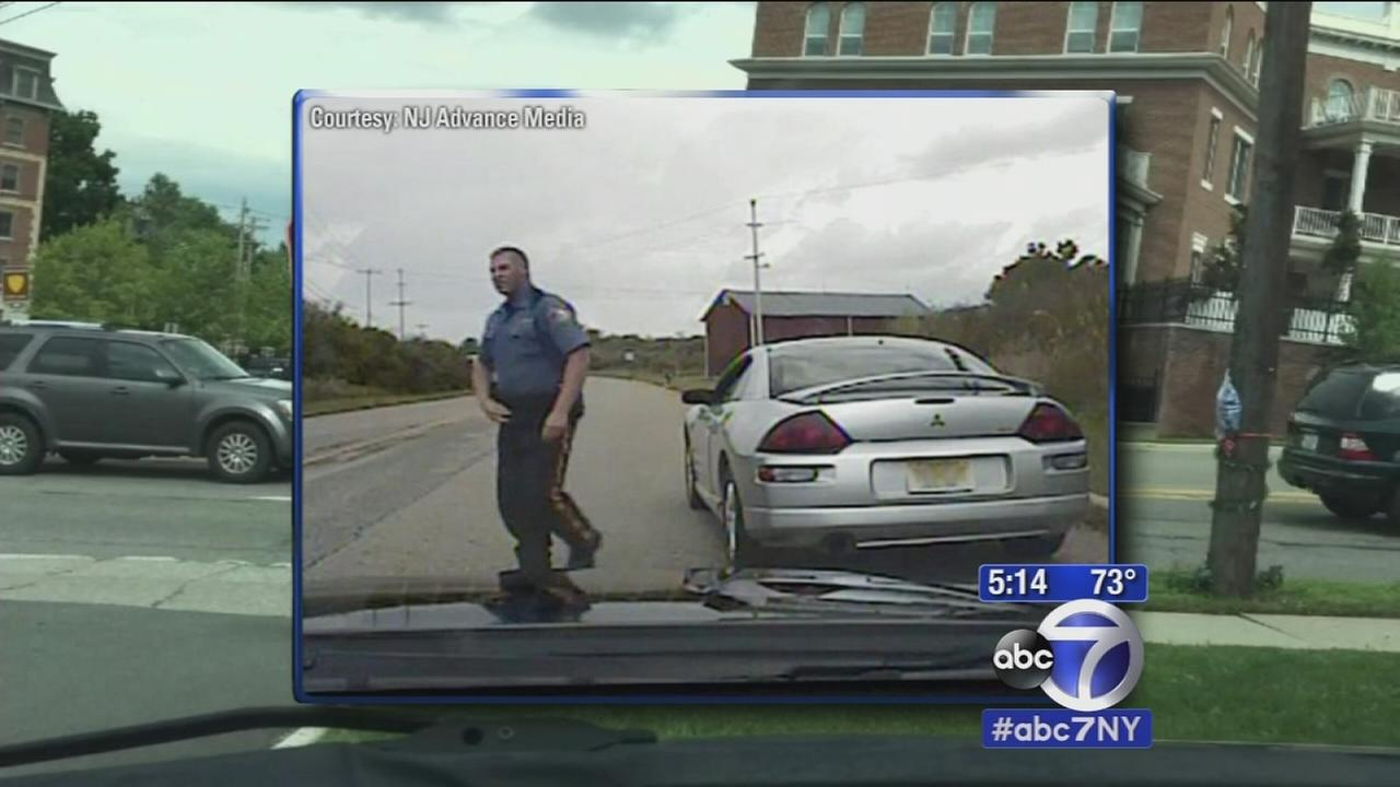 NJ officer arrested, accused of exposing himself to male drivers