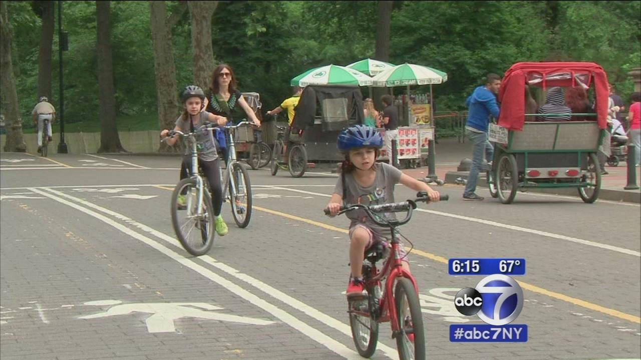 Mayor deBlasio to ban cars in more parts of 2 popular parks