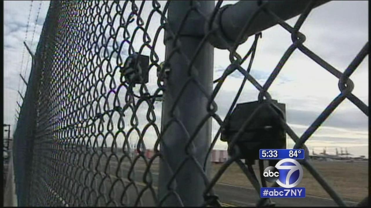 Investigators Exclusive: Pair of alarming security breaches at JFK Airport
