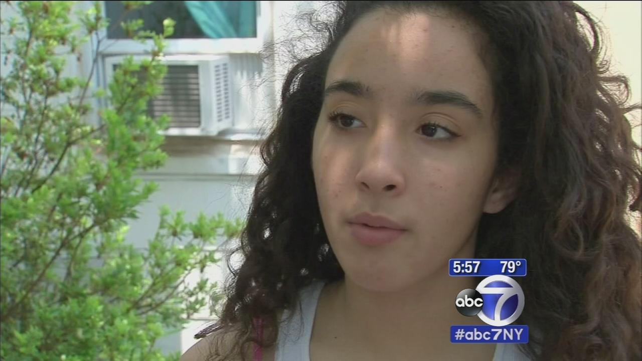 Police, Good Samaritans rescue 2 girls, mother from drowning on Long Island