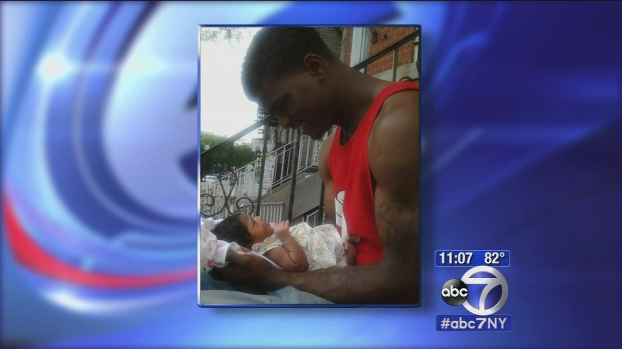 Bronx father shot in the head while holding baby girl