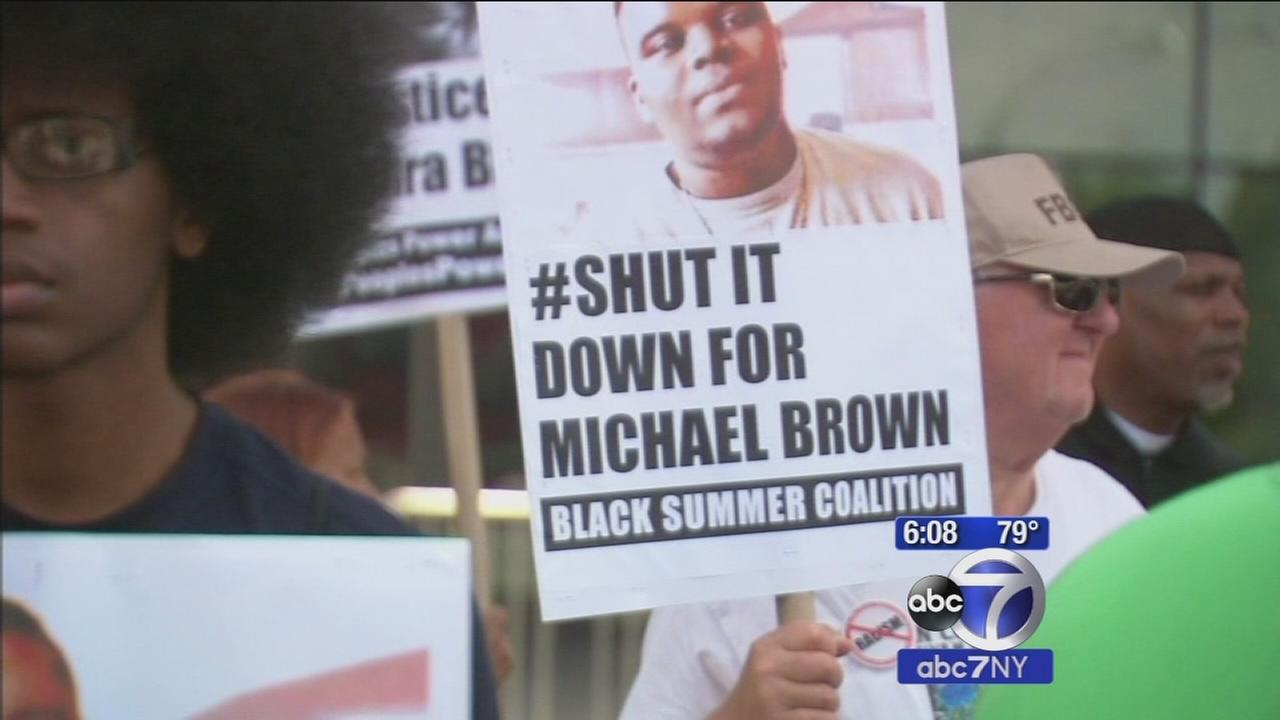 1 year after Michael Browns death, rallies held in Manhattan, Brooklyn