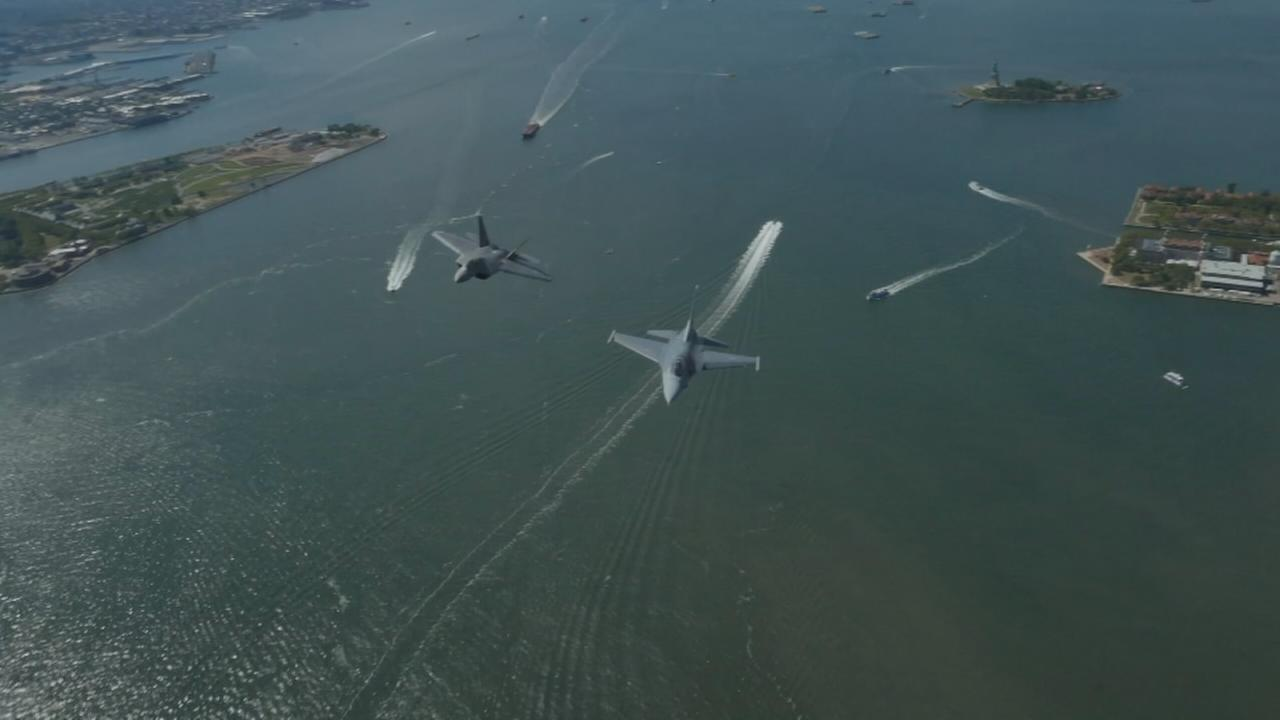 the F-22 Raptor and F-16 Viper pilots fly over New York City