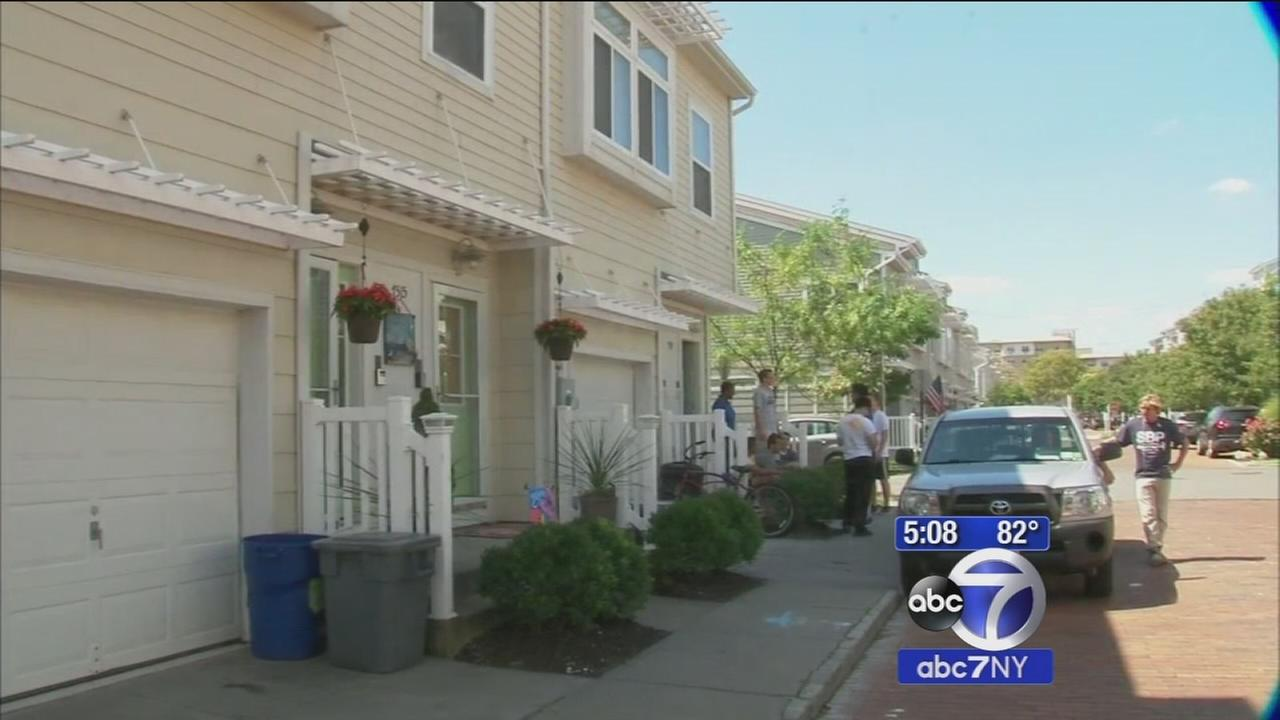 Rebuilding continues for Superstorm Sandy victims