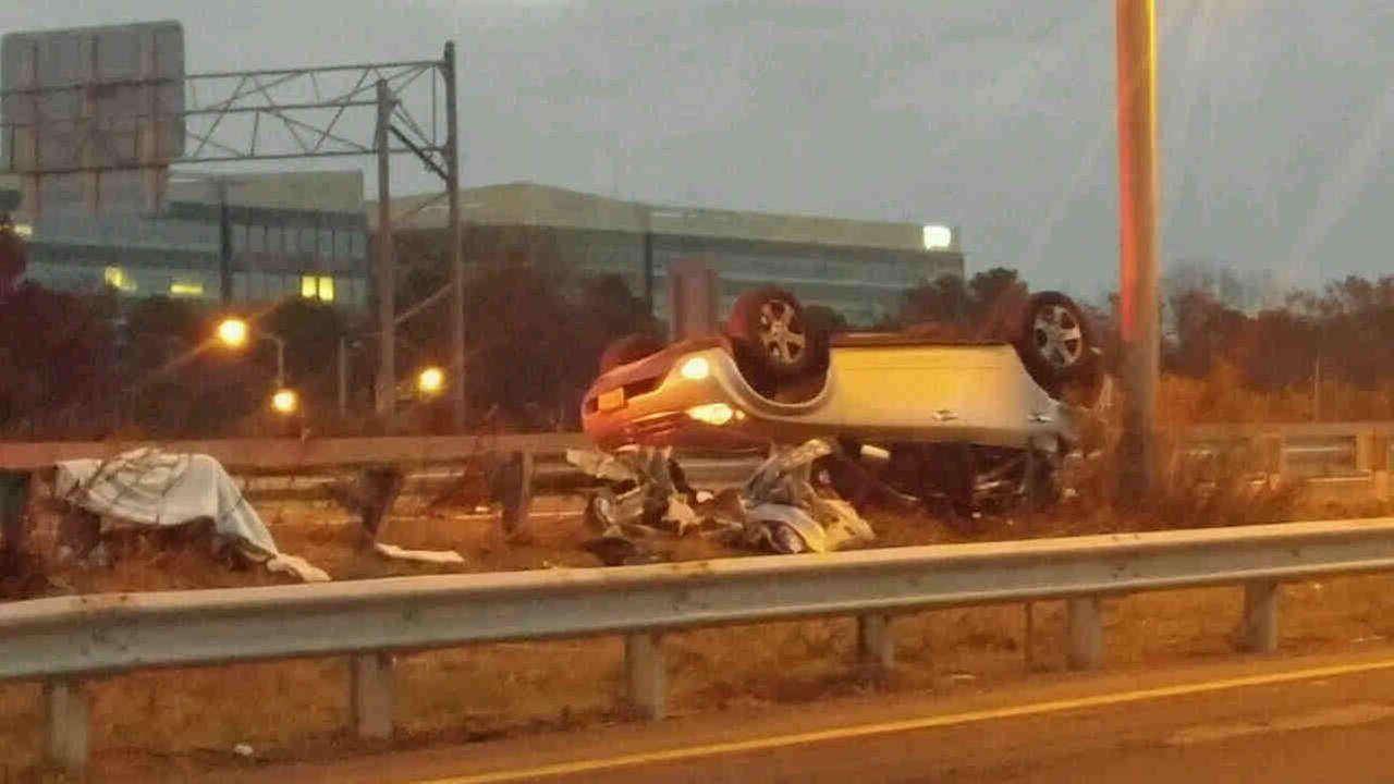 Two people were injured in an early morning wreck Saturday on Long Island.