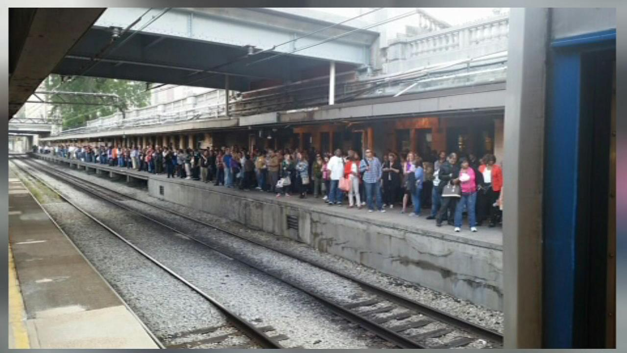 Crowds at the Van Buren Metra stop, delayed due to downed electrical wires near Millennium Station Friday, Sept.. 25.