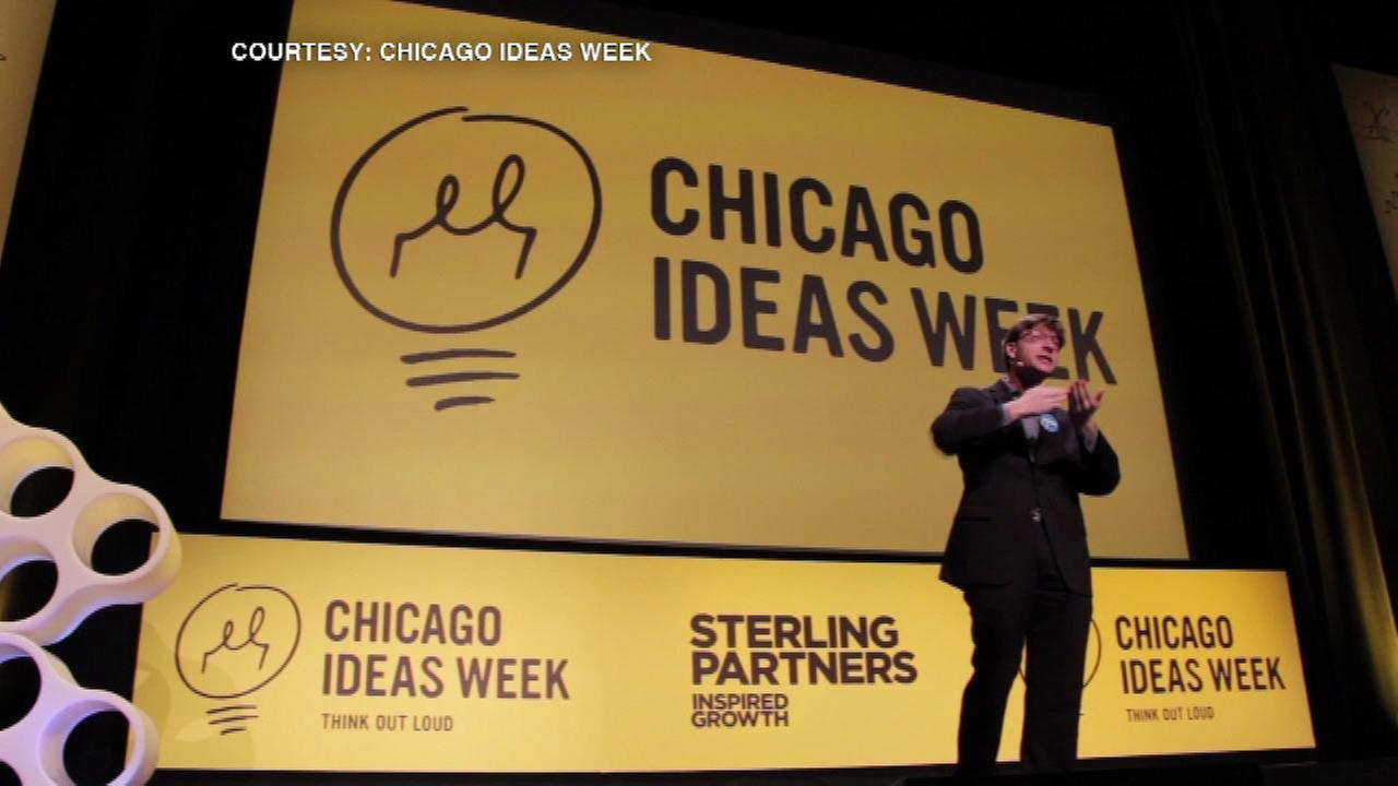 Books coming to CTA trains for Chicago Ideas Week