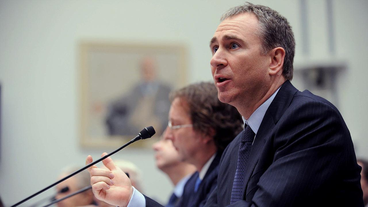 Citadel Investment Group President and Chief Executive Officer Kenneth Griffin testifies on Capitol Hill Washington on Nov. 13, 2008.