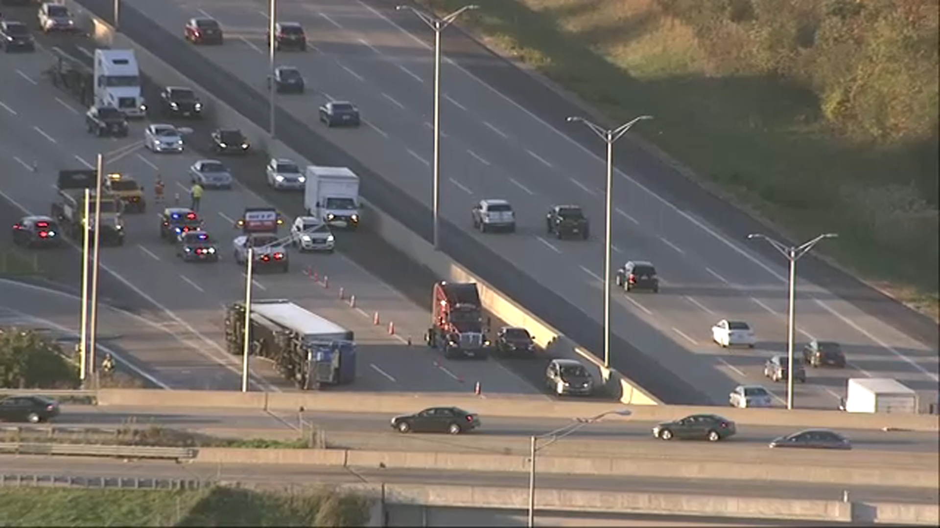 Eastbound I-94 lanes reopen after semi overturns in Gurnee