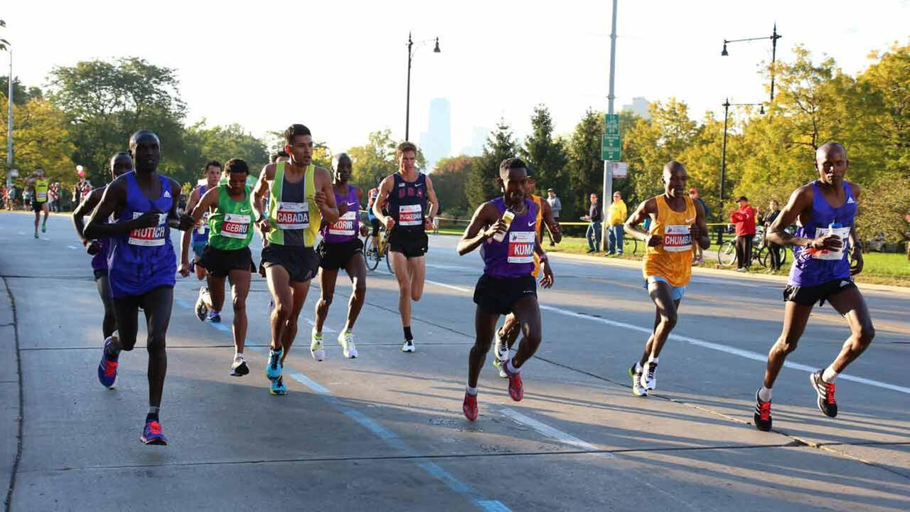 Chicago Marathon lead runners on Sunday, Oct. 11, 2015. Courtesy viewer Mike Paskvan.
