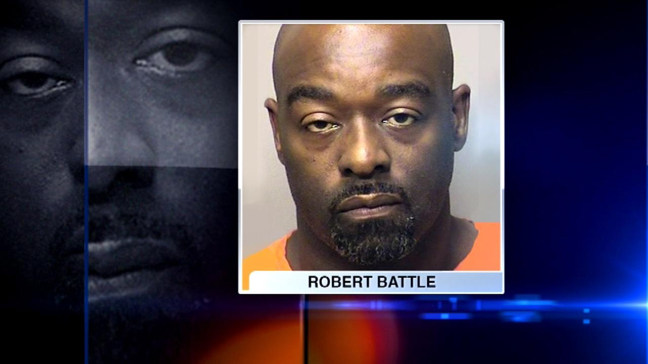 East Chicago councilman sworn in from behind bars unanimously voted out