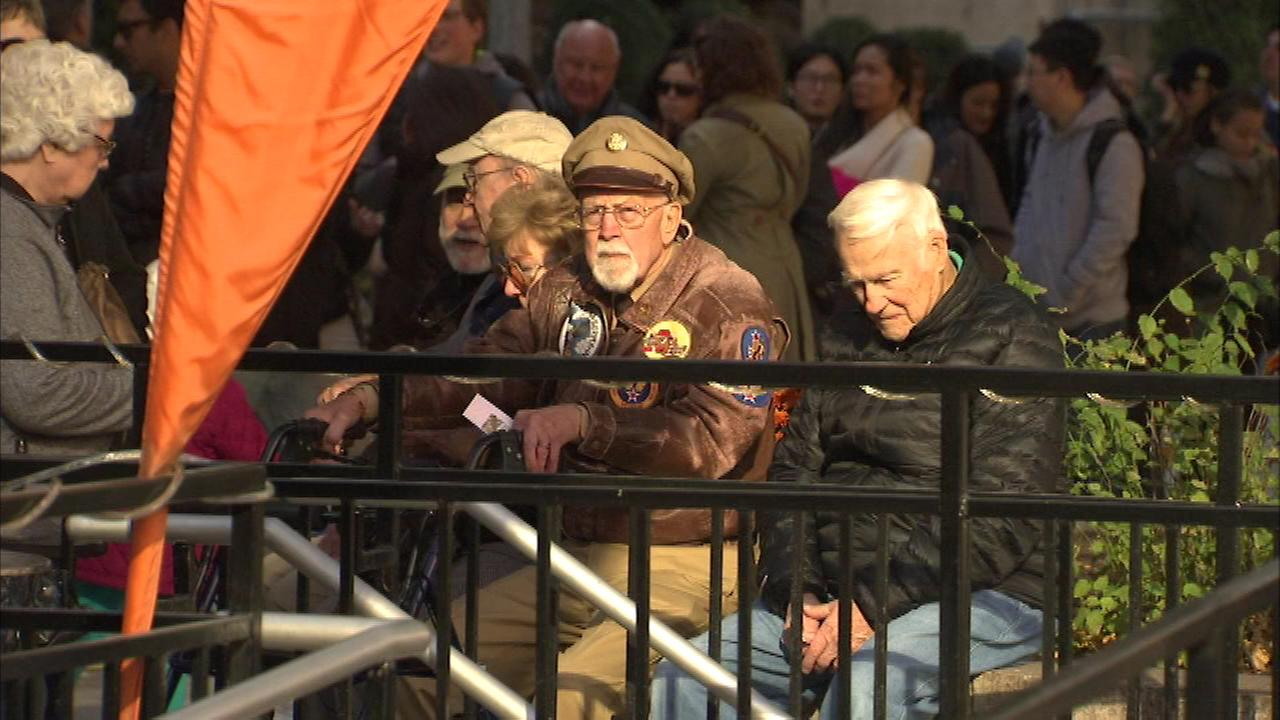 World War II veterans honored on architecture cruise
