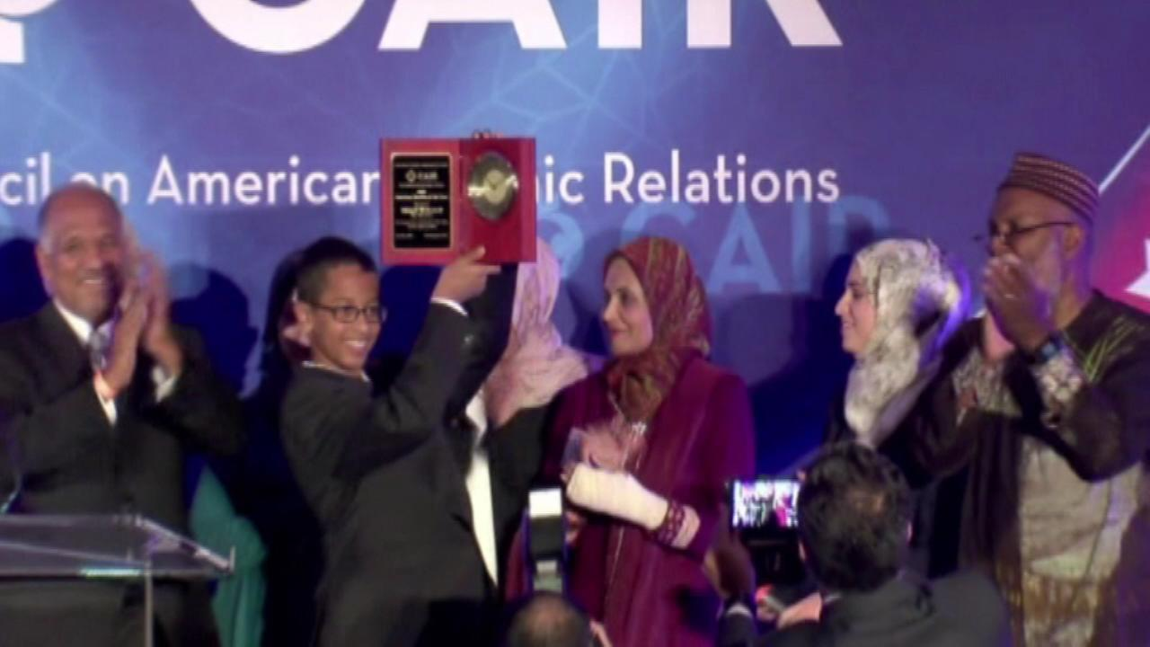Ahmed Mohamed given award by CAIR