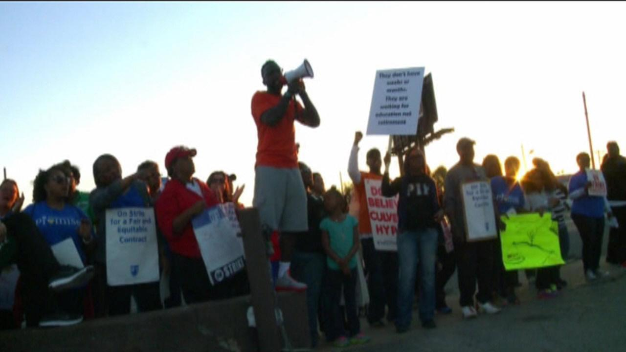 Teachers strike enters third week in East St. Louis