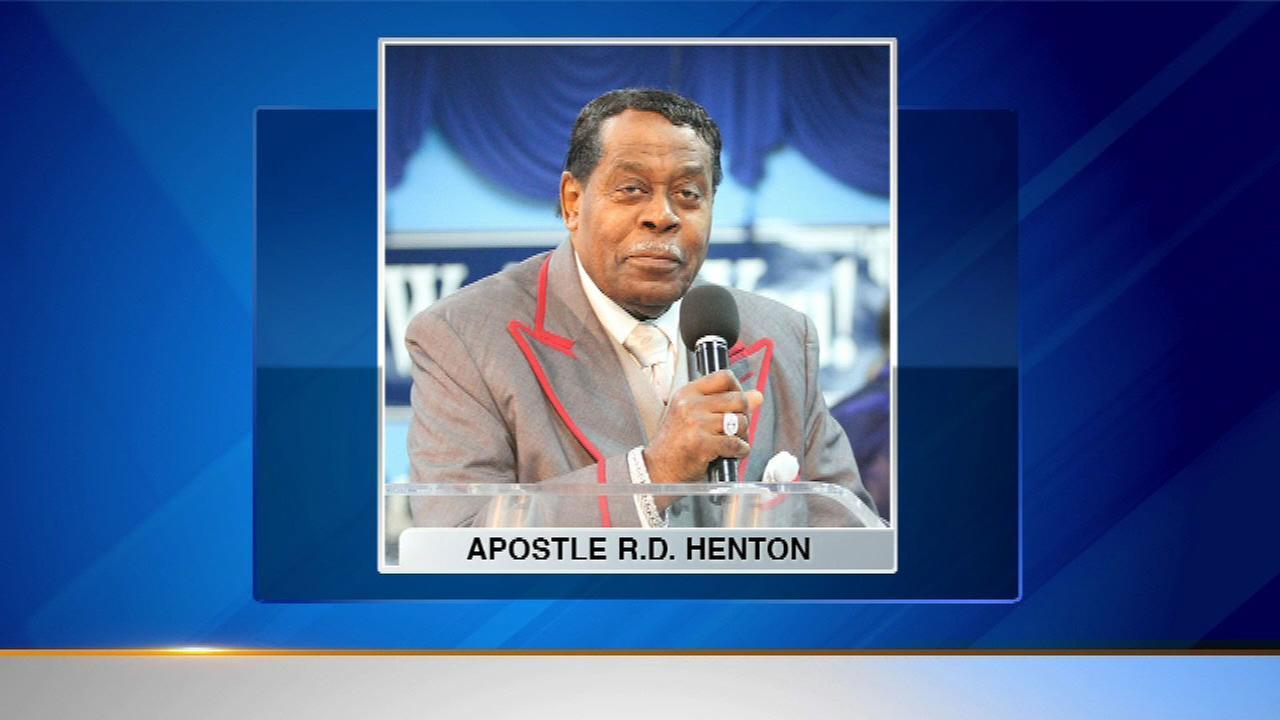 Dr. R.D. Henton, Chicago pastor, dies at 82