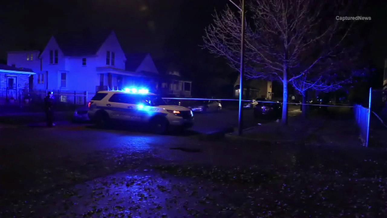 3 shot while sitting in car in Burnside, police say