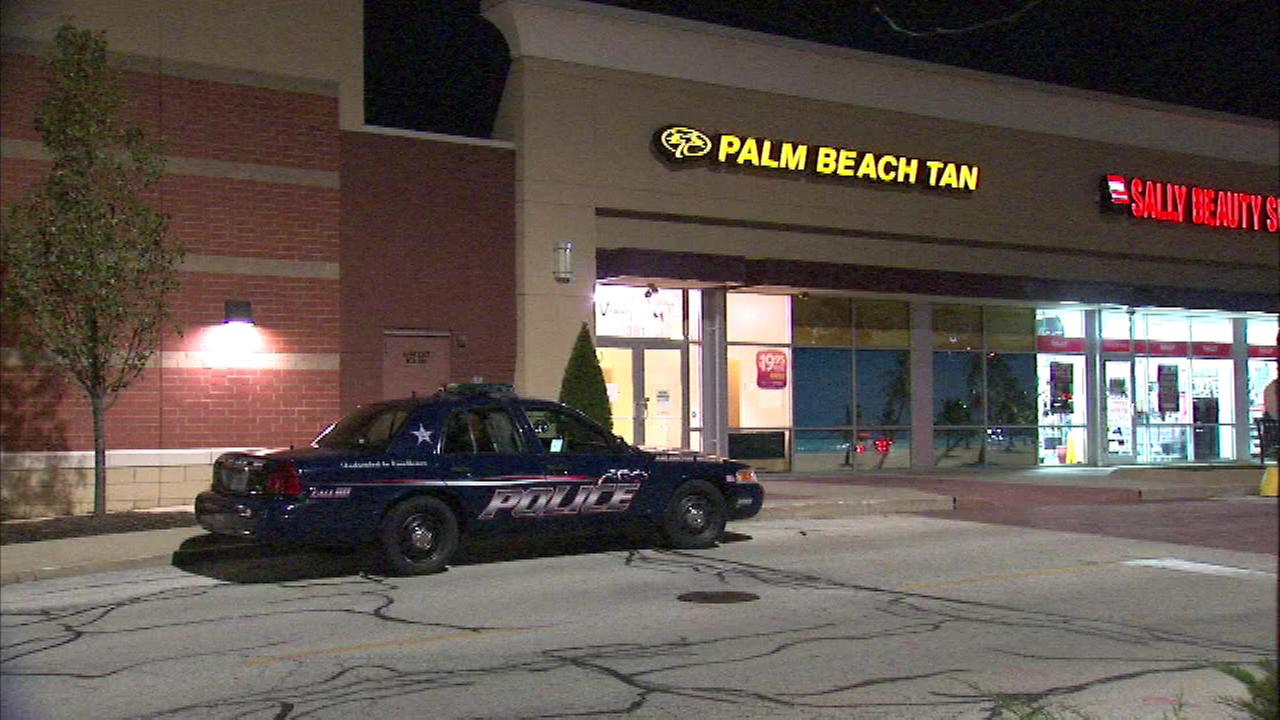 A north suburban tanning salon has been robbed for the second time in as many weeks.