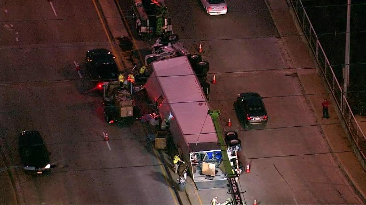 Lanes closed on St. Charles Rd after semi rollover in Elmhurst