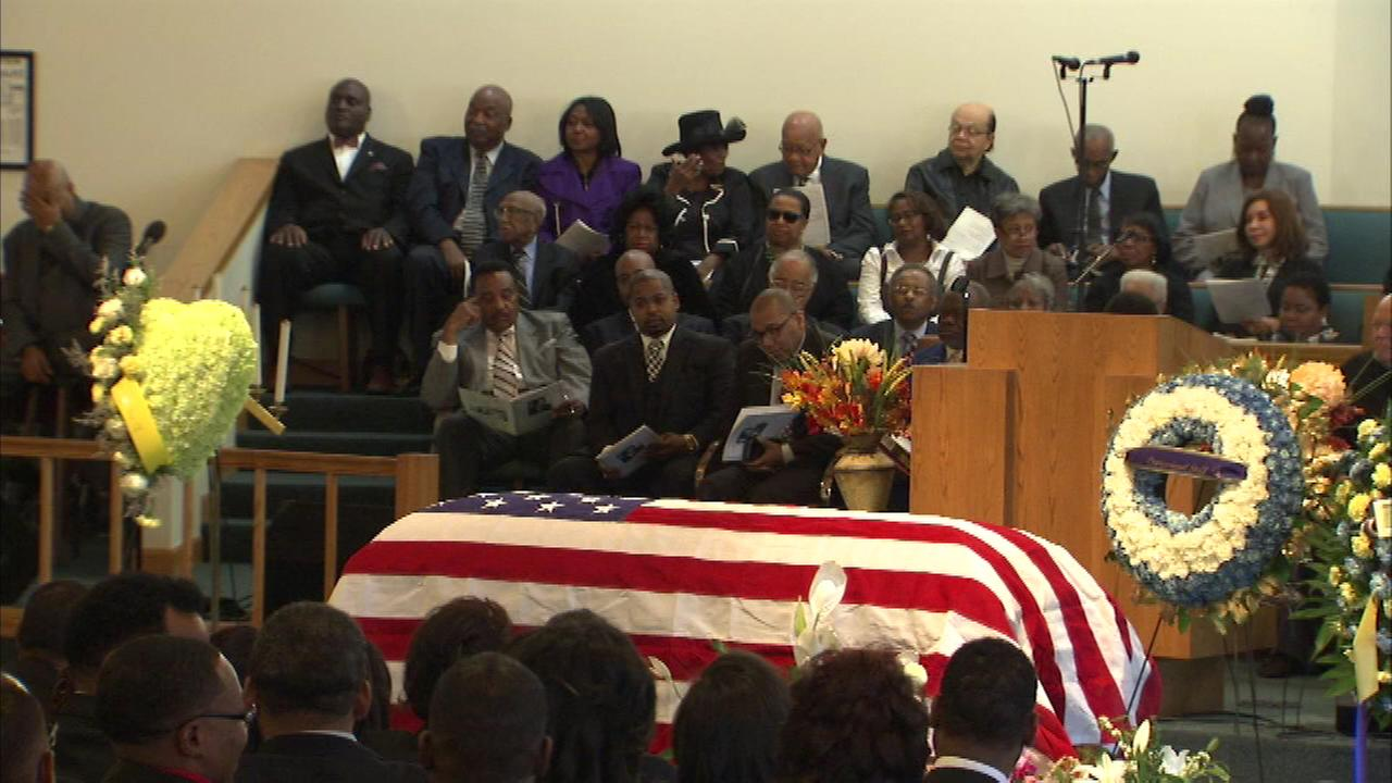 Funeral services held for late Chicago Democrat Gus Savage