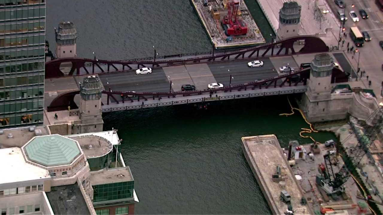 LaSalle Street Bridge to close until Tuesday for Riverwalk construction