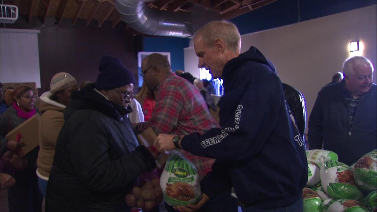 Governor Bruce Rauner helped distribute food baskets at the New Beginnings Church of Chicago on the South Side.