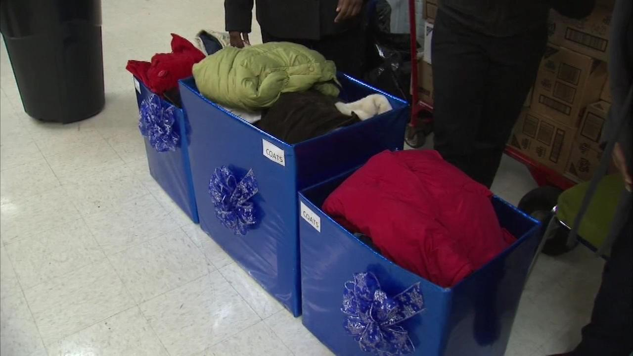 The Chicago Police Department is helping some families stay warm during this wintry season.