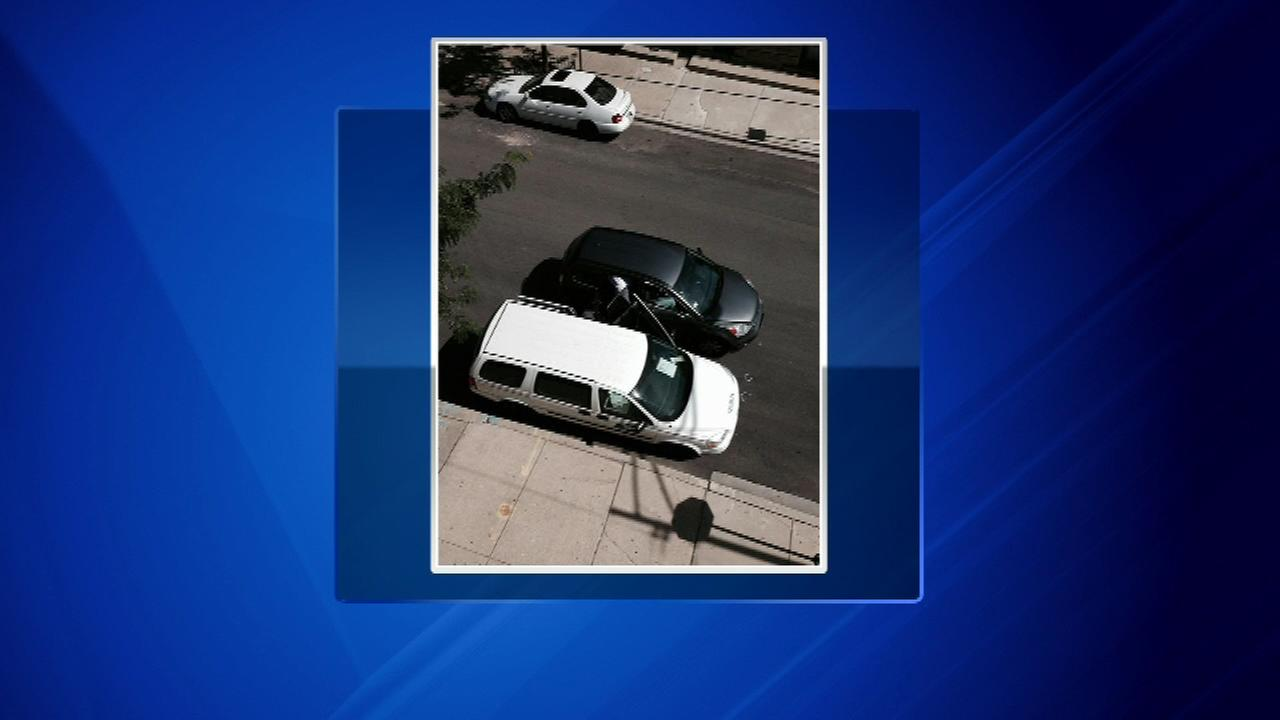 U.S. Postal trucks targeted by robbers in Chicago