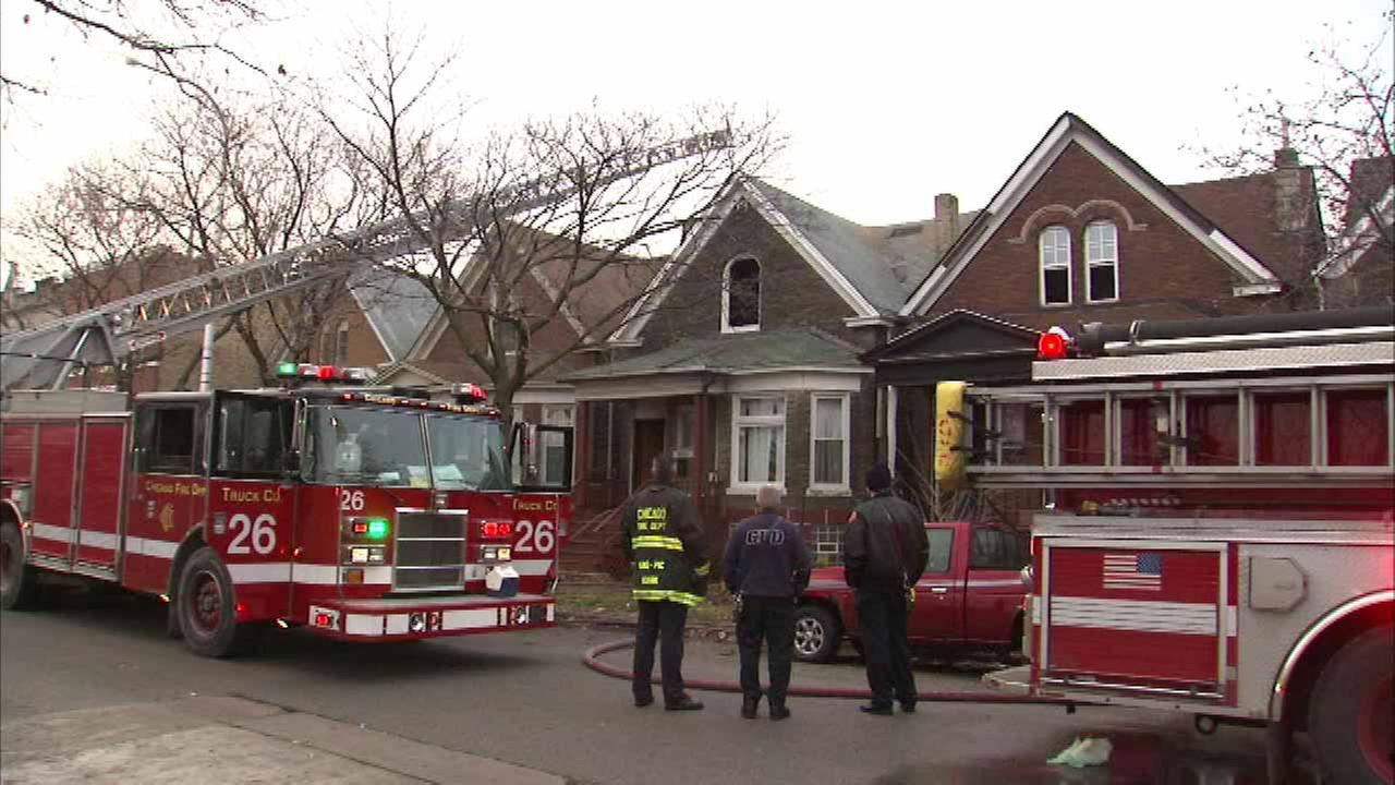 4 injured in West Side fire
