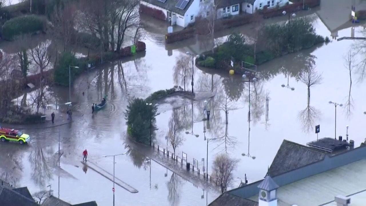 UK army joins rescue teams amid severe flooding