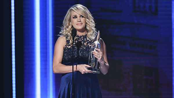 Carrie Underwood accepts the award for female vocalist of the yea at the 52nd annual CMA Awards at Bridgestone Arena on Wednesday, Nov. 14, 2018, in Nashville, Tenn.