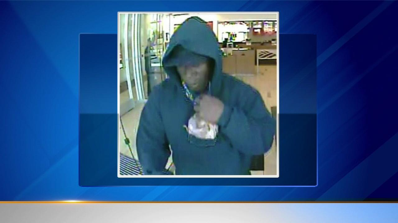 Man in custody after West Side bank robbery, police say