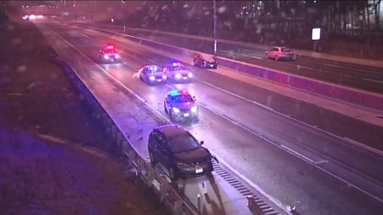 Teen running to get help on Edens Expressway fatally struck