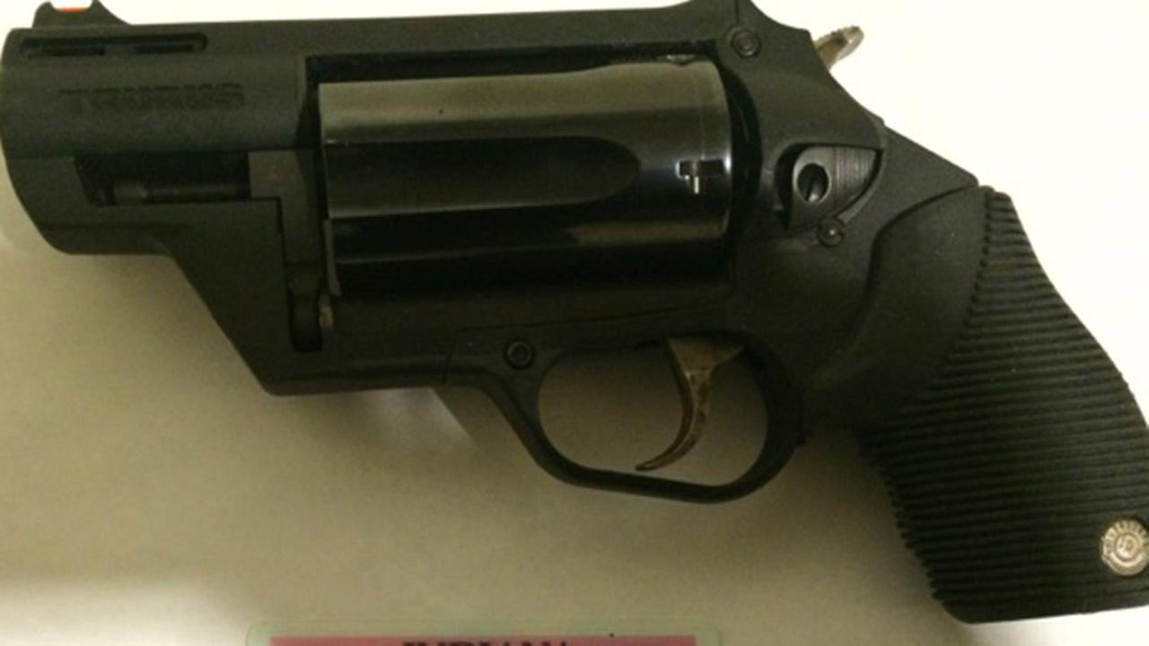 Indiana man arrested at Midway Airport after gun found in luggage, police say
