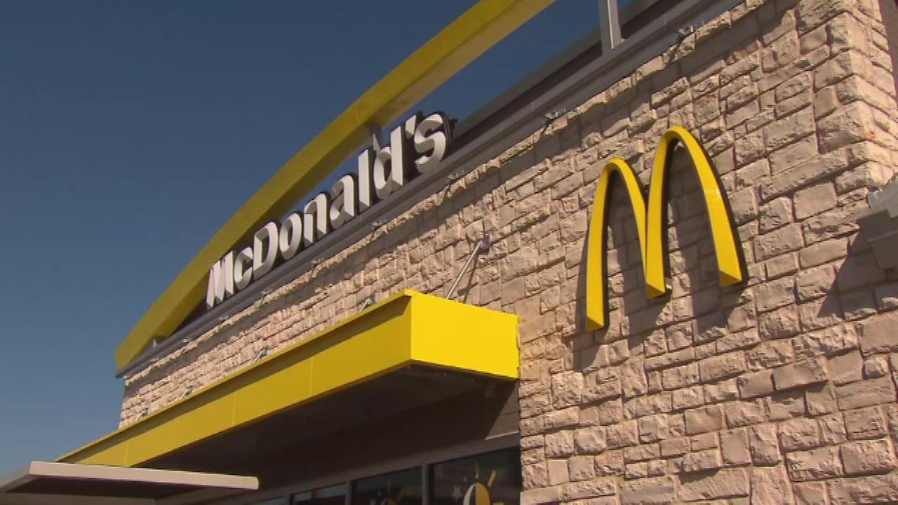 McDonald's to serve chicken raised without antibiotics