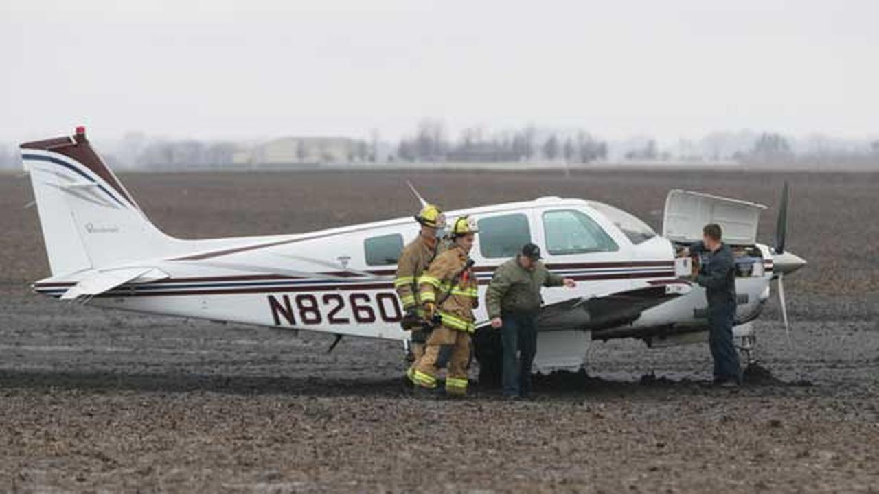 A small plane made an emergency landing Thursday afternoon in a field in Peru, Illinois.