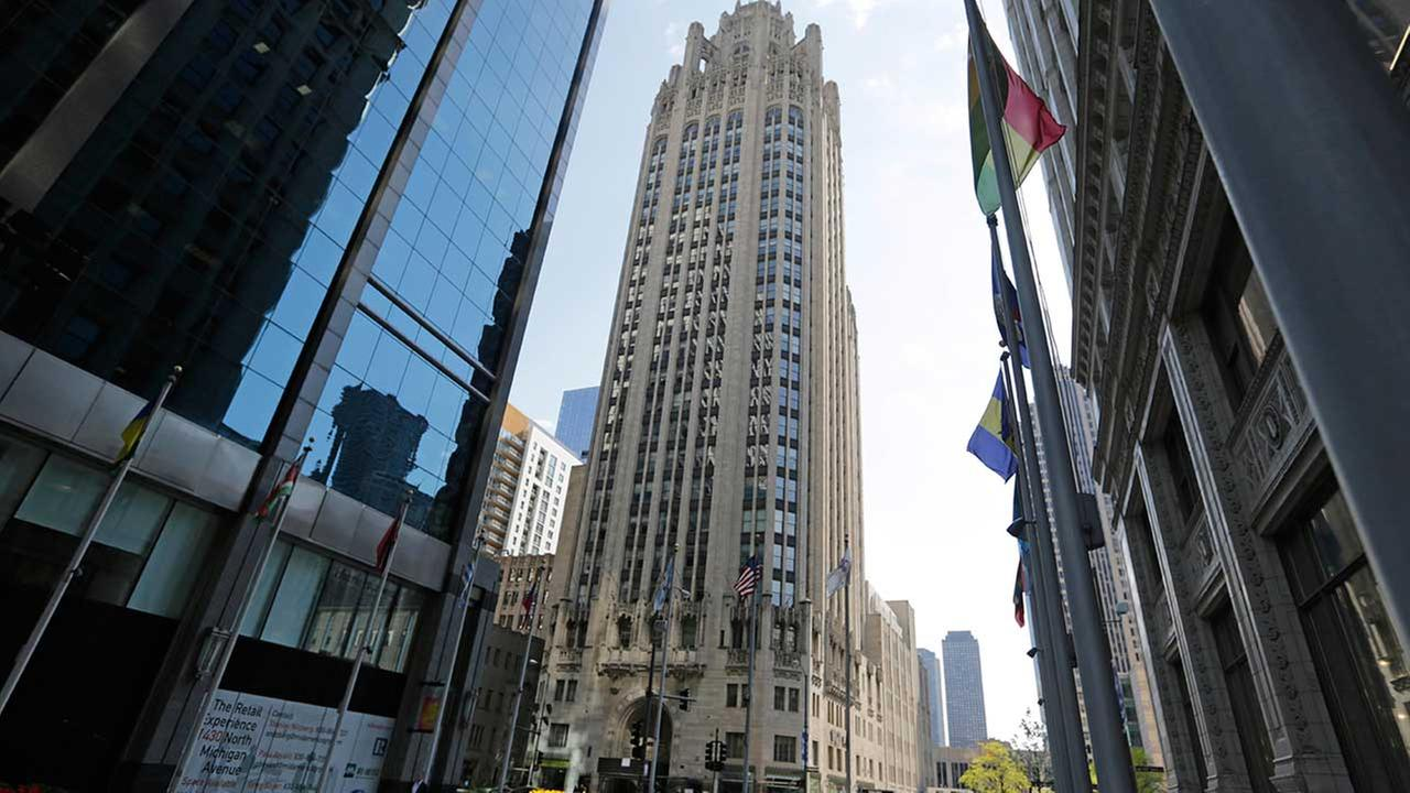 Los Angeles developer buys iconic Tribune Tower in Chicago