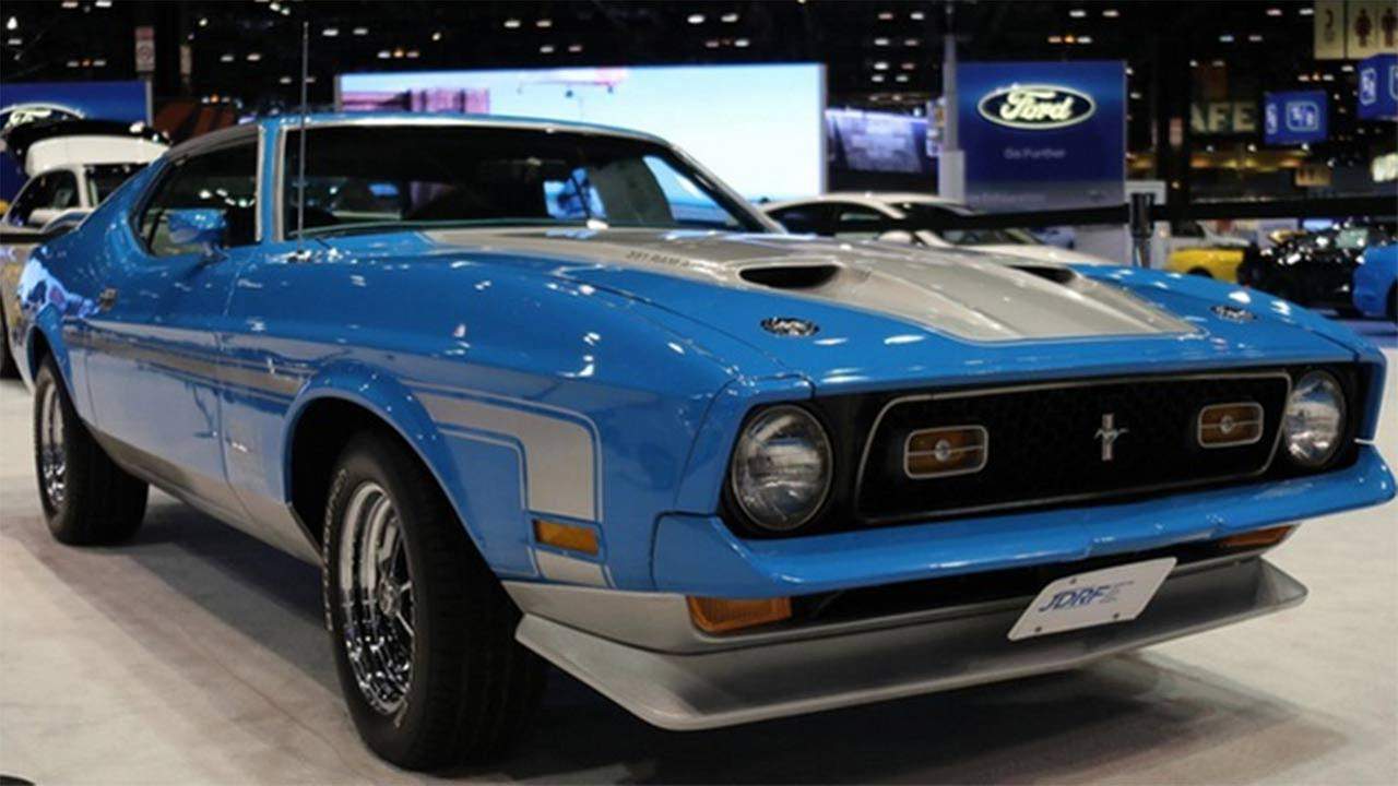 A 1971 Ford Mach 1 being raffled away at the Chicago Auto Show.
