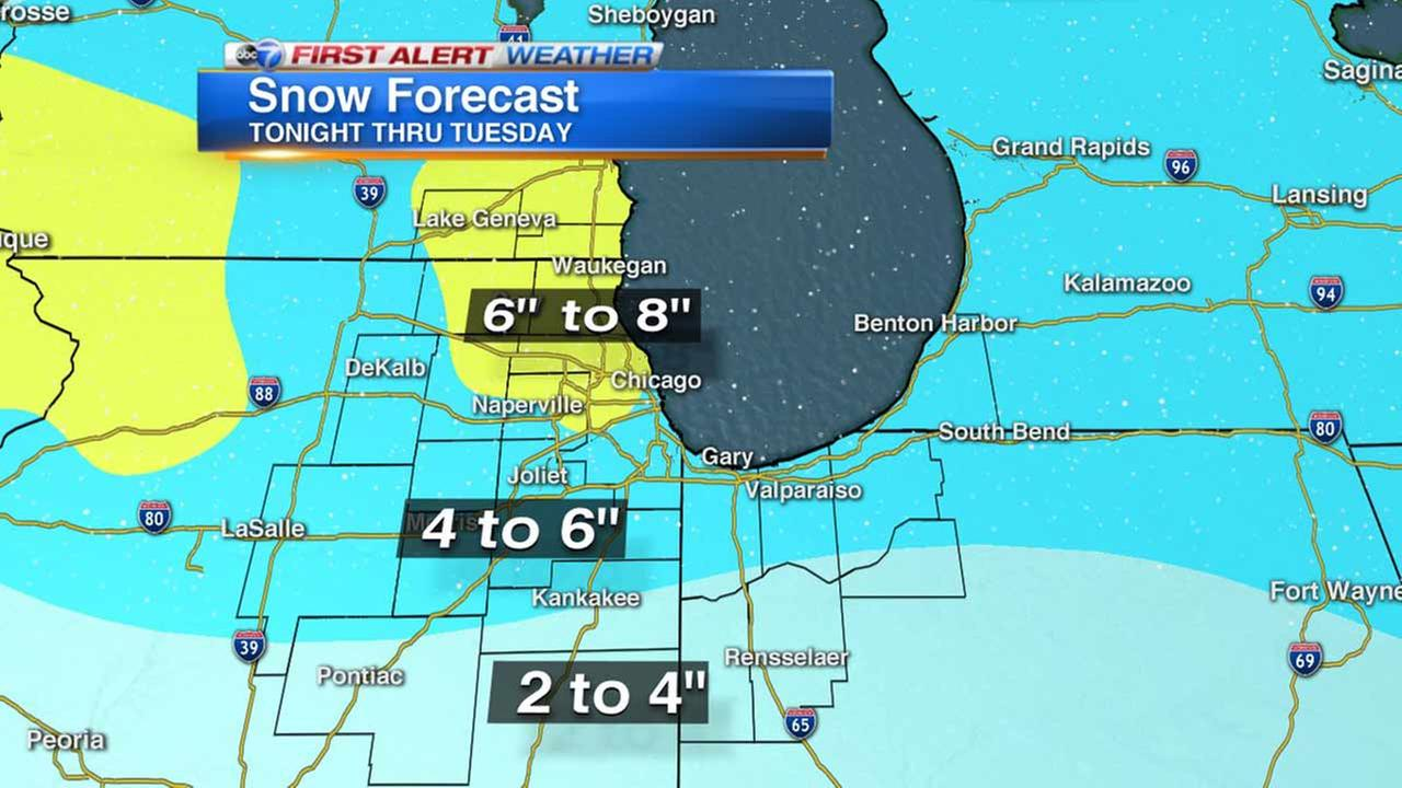 Chicago Weather: Snow could make morning commute messy Monday