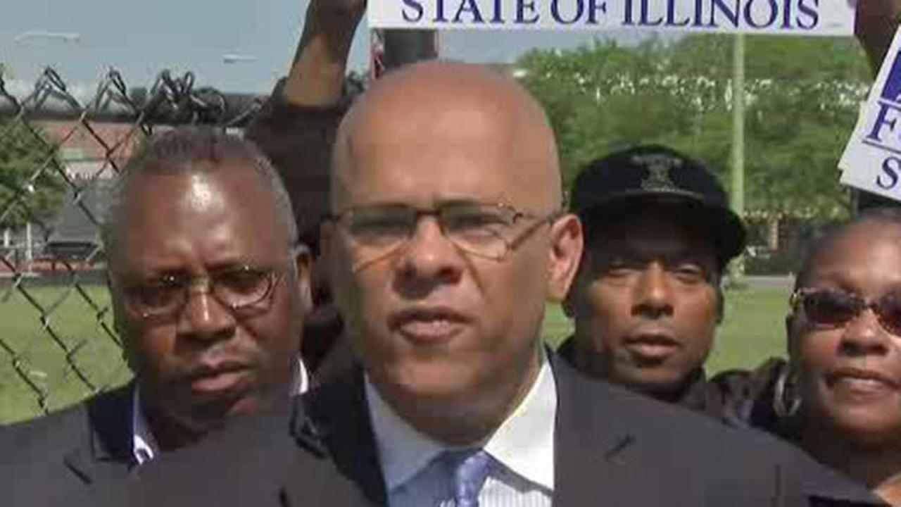 Democrat Tio Hardiman is a community organizer in Chicago and served as director of CeaseFire Illinois from 2009 to 2013. He also ran for governor in 2014.
