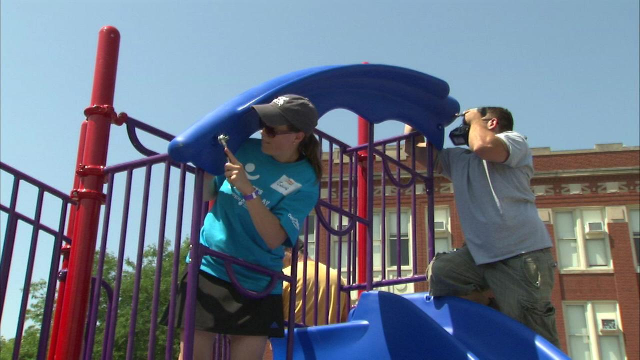 Hundreds of volunteers built a new playground Saturday at Thorp Scholastic Academy on Chicagos Northwest Side.