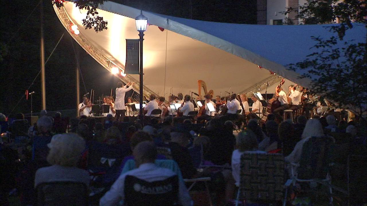 Hundreds of people gathered on a beautiful night at Cantigny Park in Wheaton to hear the Chicago Sinfonietta.