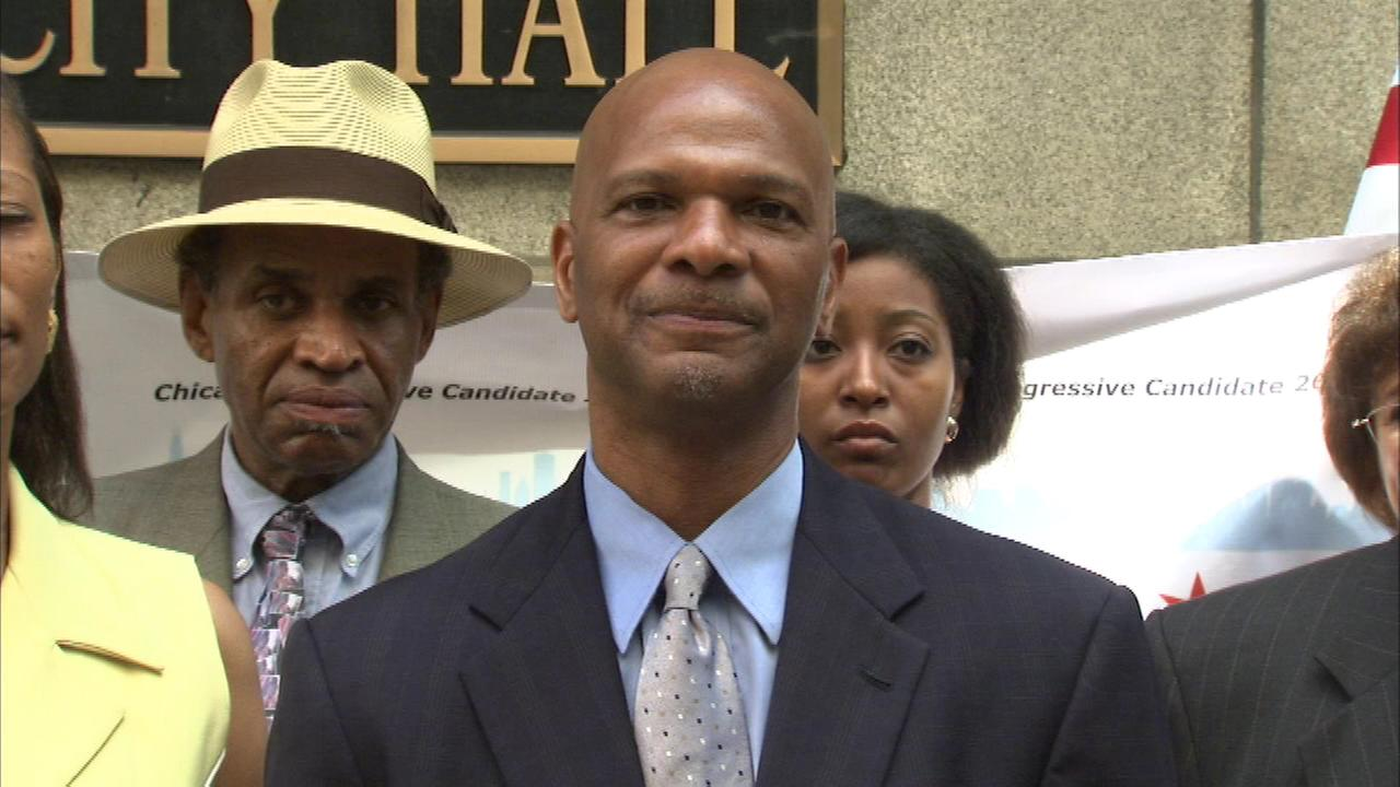 Community activist William Dock Walls has announced that he is running for mayor of Chicago.