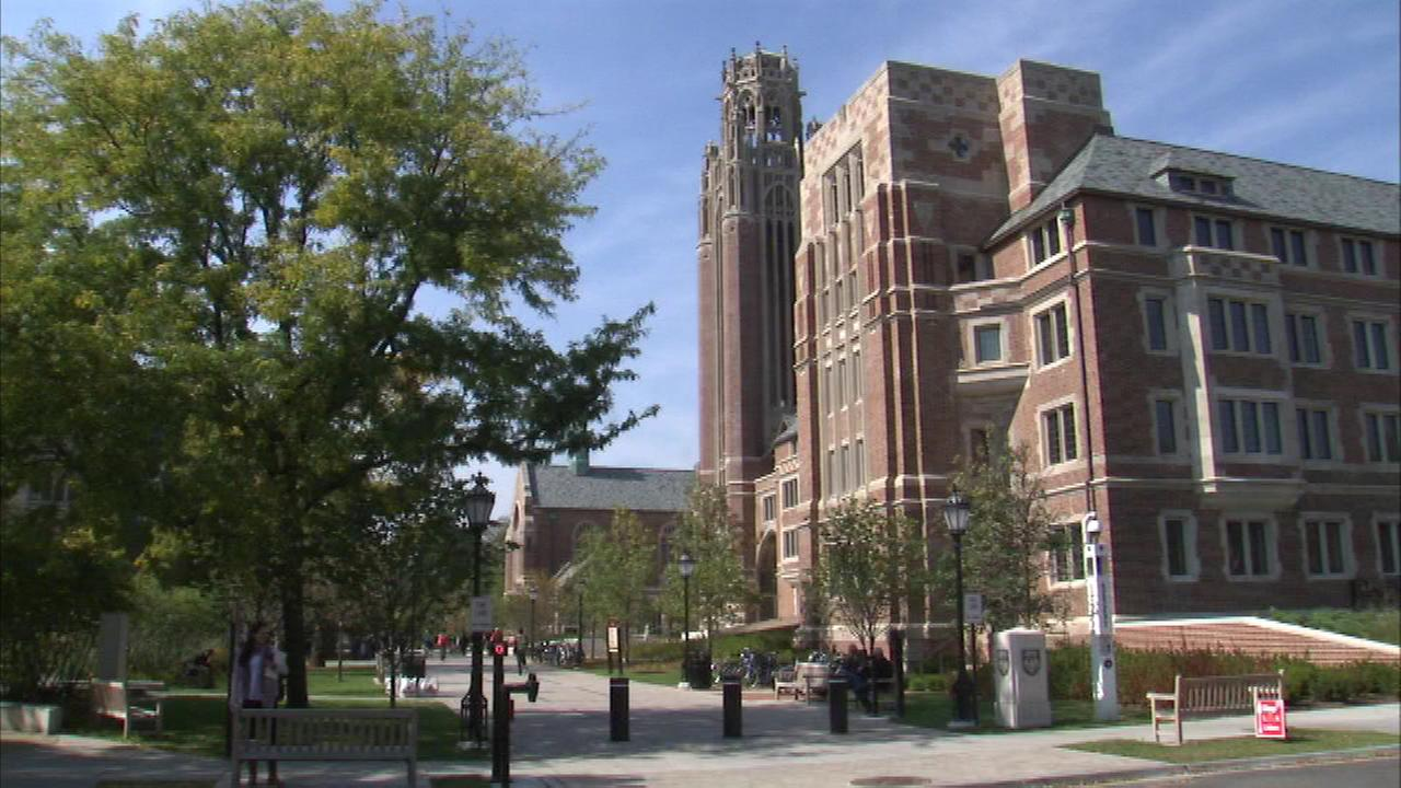 Police issued an alert for University of Chicago students and other nearby residents after robberies were reported near campus.