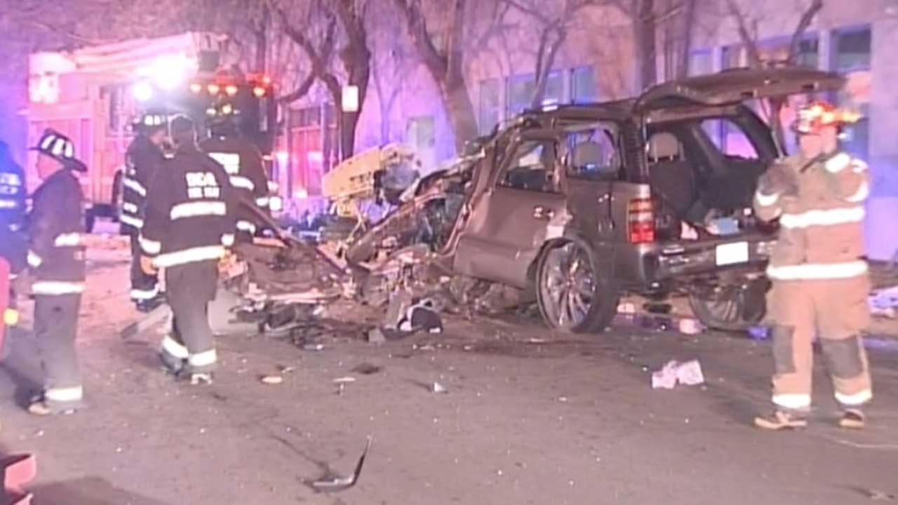 2 dead, 2 hurt in Bucktown crash