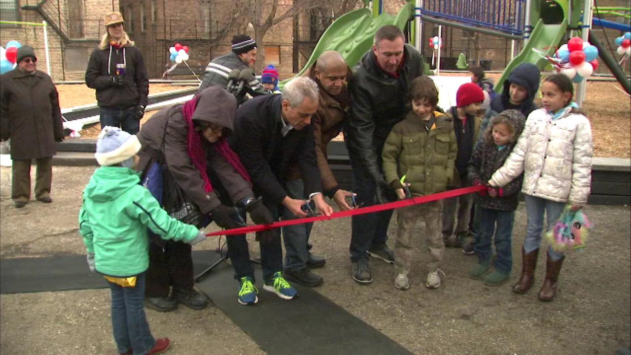 Mayor Rahm Emanuel and other neighborhood leaders cut the ribbon at Sycamore Playlot Park at 51st and Greenwood.