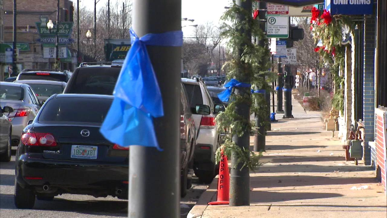 Residents of Mount Greenwood on the citys South Side placed ribbons around trees in a show of appreciation for Chicago Police officers.