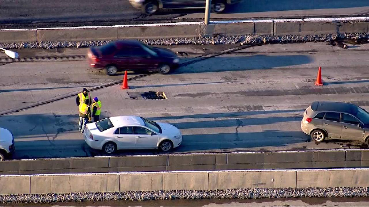 I-55 down to 2 lanes at Joliet Road near Bolingbrook