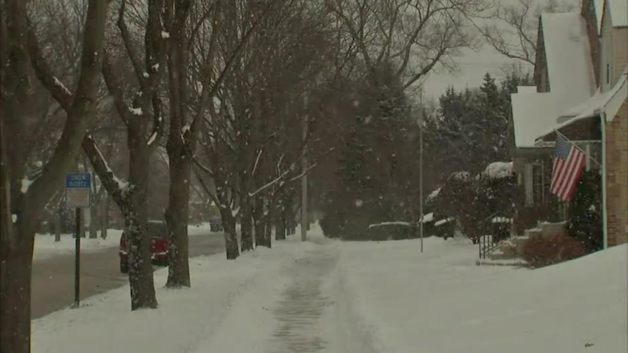 Chicago Weather: Lake-effect snow ends, still cold until weekend warmup