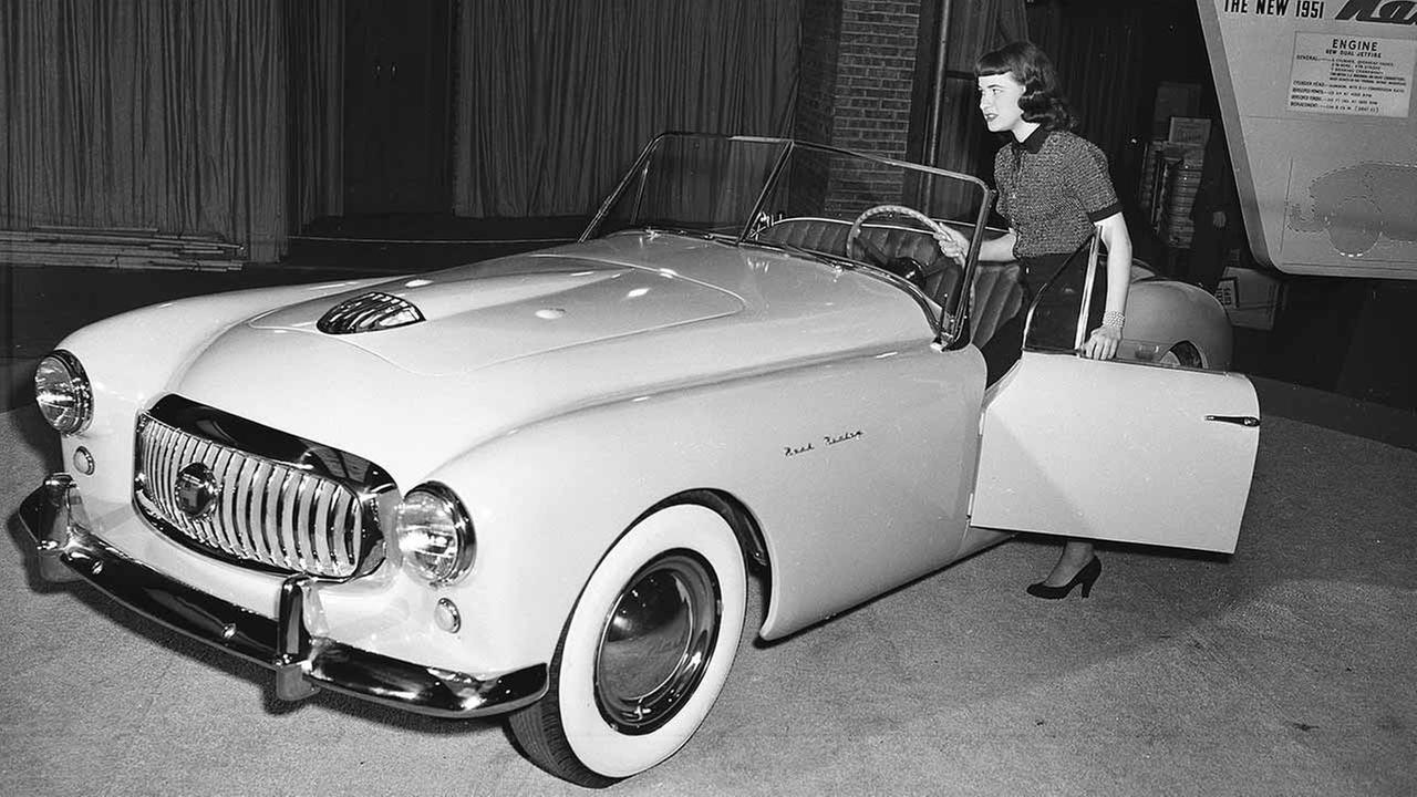 The Nash 1951 sports car, which combines American and English manufacture, at the 43rd Annual Automobile Show in Chicago, on Feb. 19, 1951. The price is given as under $4,000.